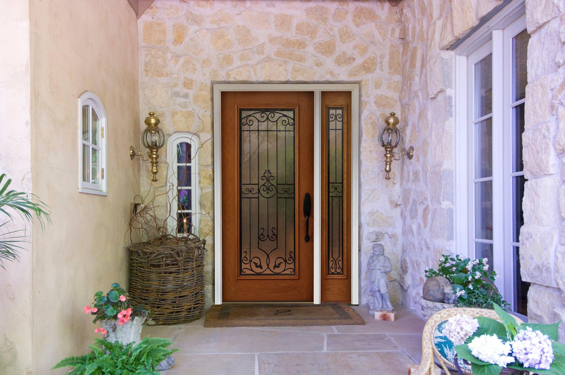 Closed door — Door & insulation service