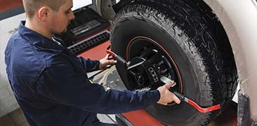 Mechanic Tuning Aligner For Wheel Alignment — Auto Repair in Tallahassee, FL