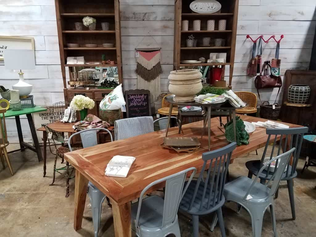 Bon Dinning Table   Furniture In Oxford, MS