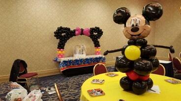 Centerpieces philadelphia pa dinos party center balloon mickey mouse balloon centerpieces in philadelphia pa junglespirit Gallery