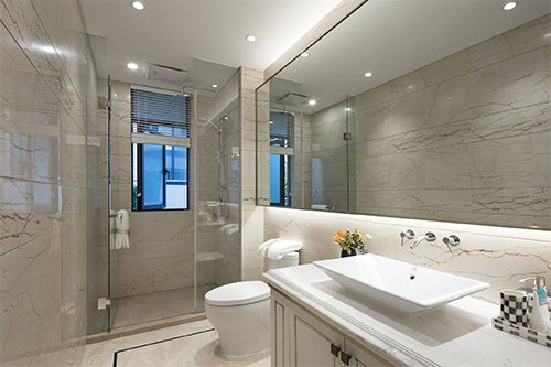 Attractive and Efficient Glass Shower Ideas for a Condo Bathroom