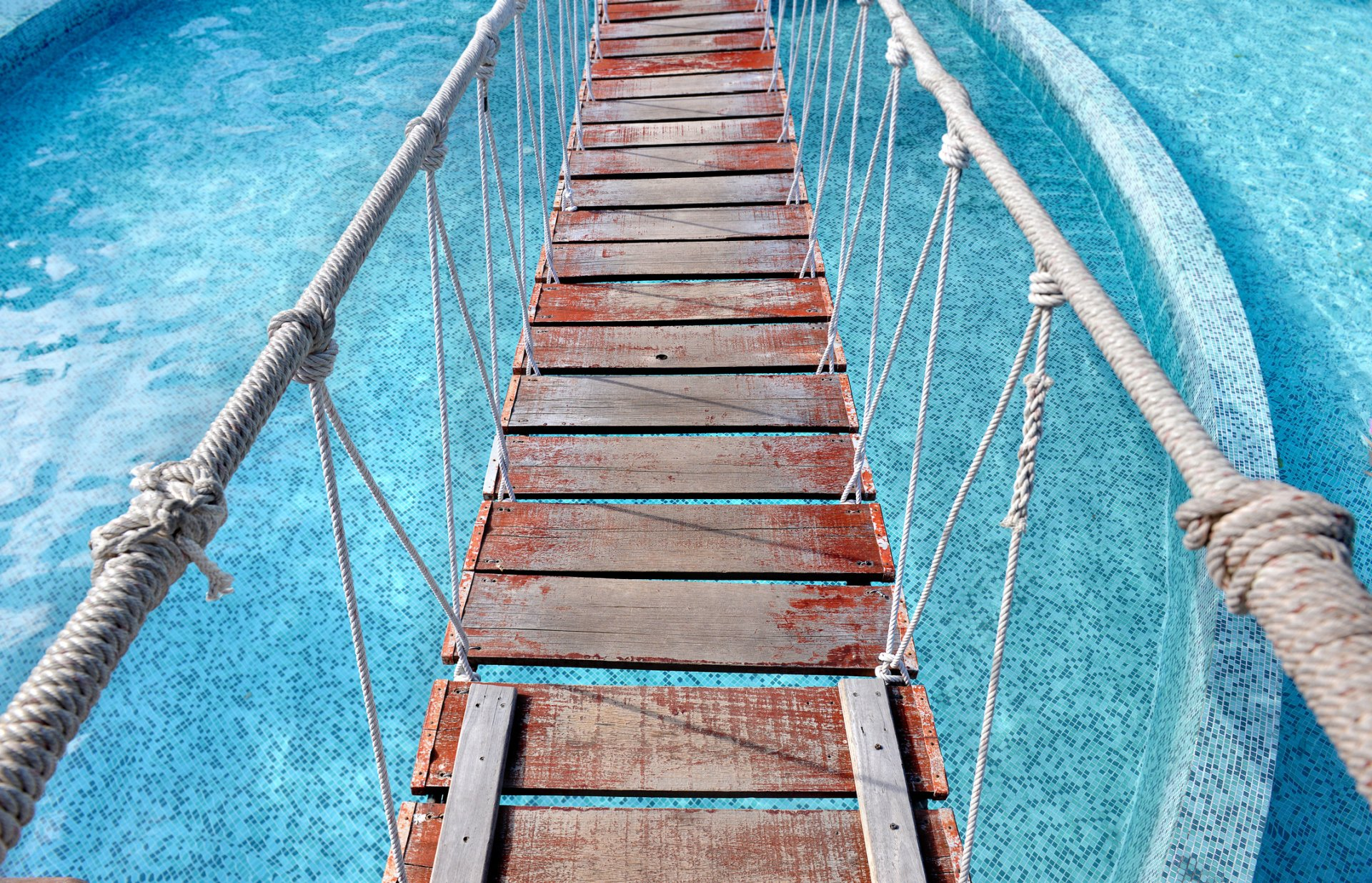 Materials for a Gorgeous Swimming Pool Bridge