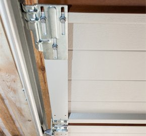 Garage Door Repairs And Replacements In Green Bay Wi