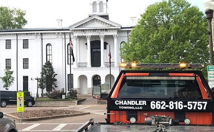 Chandler Towing Trucku2014Towing In Oxford, MS