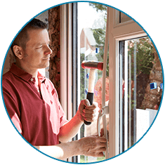 Etonnant Worker Installing New Windows In House   Window U0026 Door Installation In  Cheyenne, ...