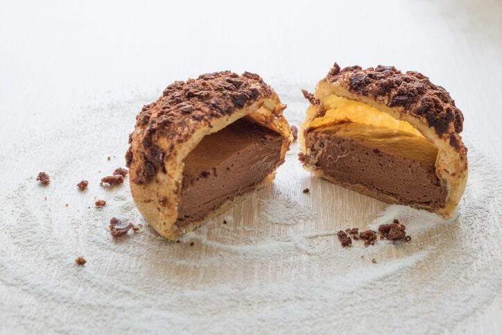 Mocha Cream Cake With Pineapple Filling