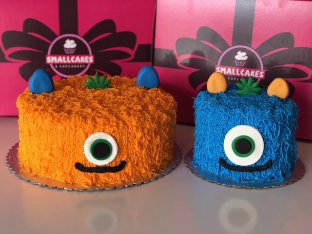 Wondrous Custom Cakes Phoenix Arizona Smallcakes Of Surprise Birthday Cards Printable Trancafe Filternl