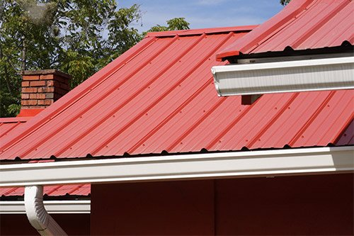 Metal Roofing Vs Asphalt Shingles How Do They Compare