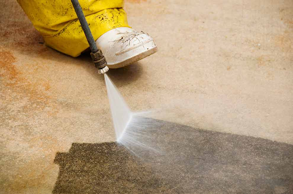 3 Great Ways To Clean Up Your Concrete Floor Before Staining It
