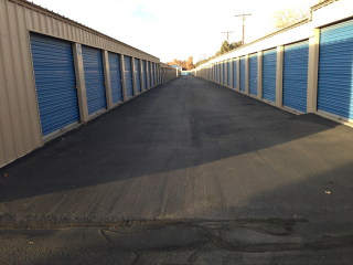 We offer secured storage warehousing for both residential and commercial customers at our modern facility equipped with up-to-date storage technology. & home -  - Arroyo Del Oso storage