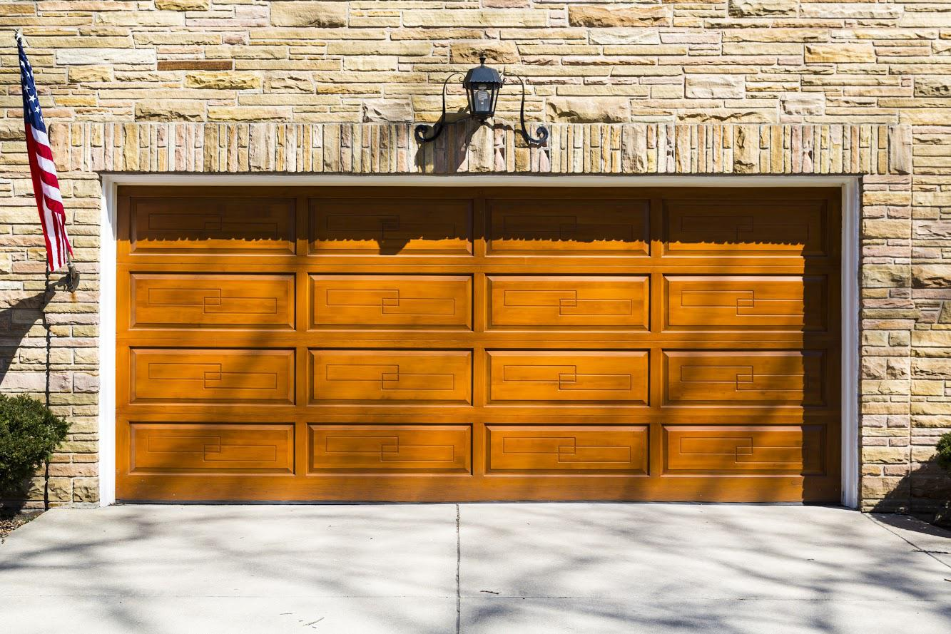 3 Things To Look For In A Smart Garage Door System