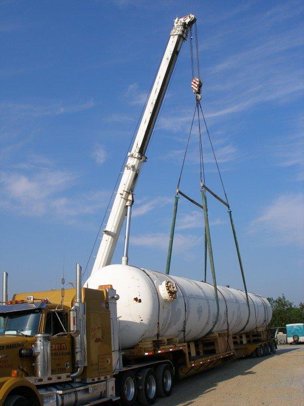 Rigging a 90,000 lb Propane Tank In Riverhead