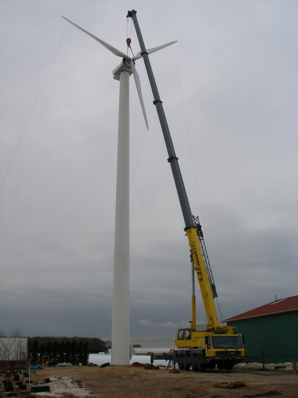 100 Ton Grove Assembling A Wind Turbine In Southold