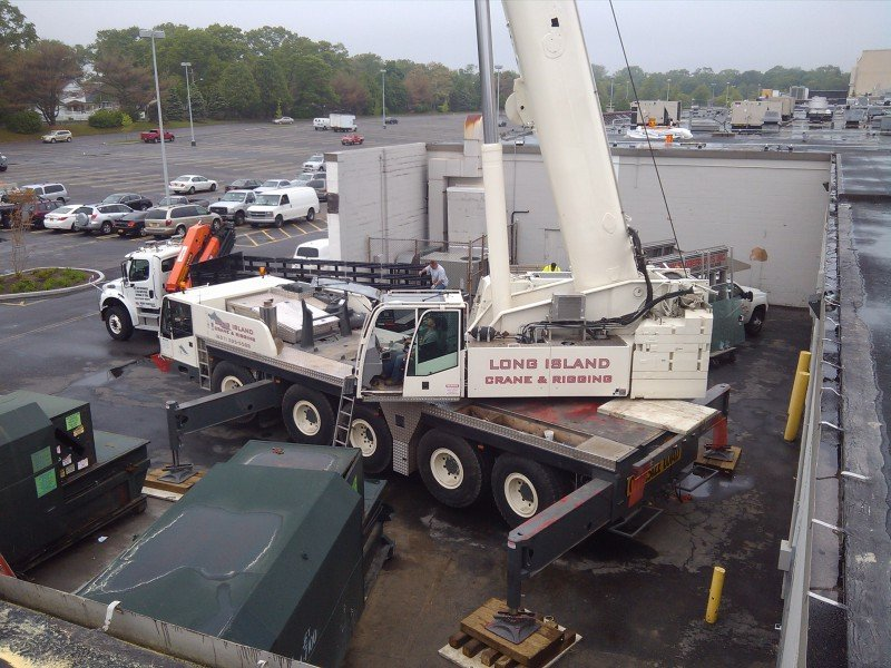 120 Ton Demag Setting Rooftop Mechanical Equipment At Bay Shore Mall