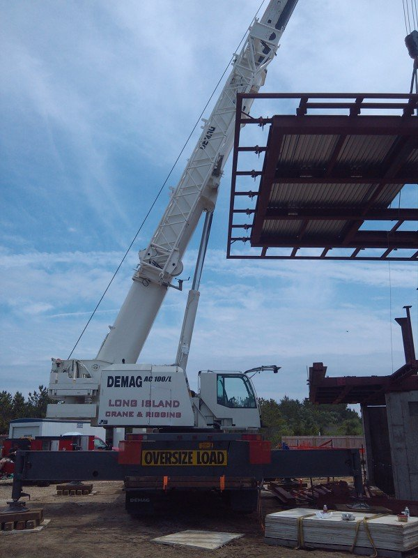 120 Ton Demag Setting A Steel Roof Structure in Southampton