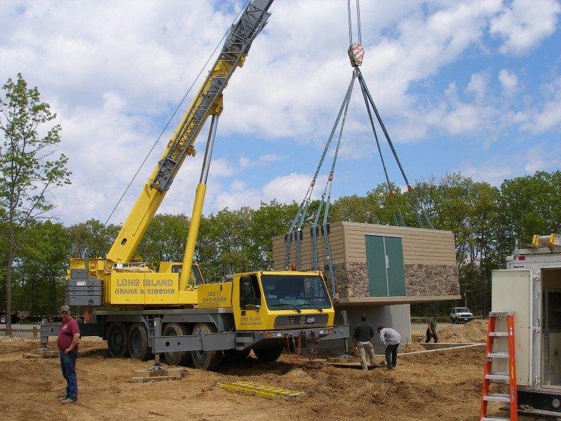 100 Ton Grove Setting An 80,000 lb Prefabricated Bathroom Unit In Huntington