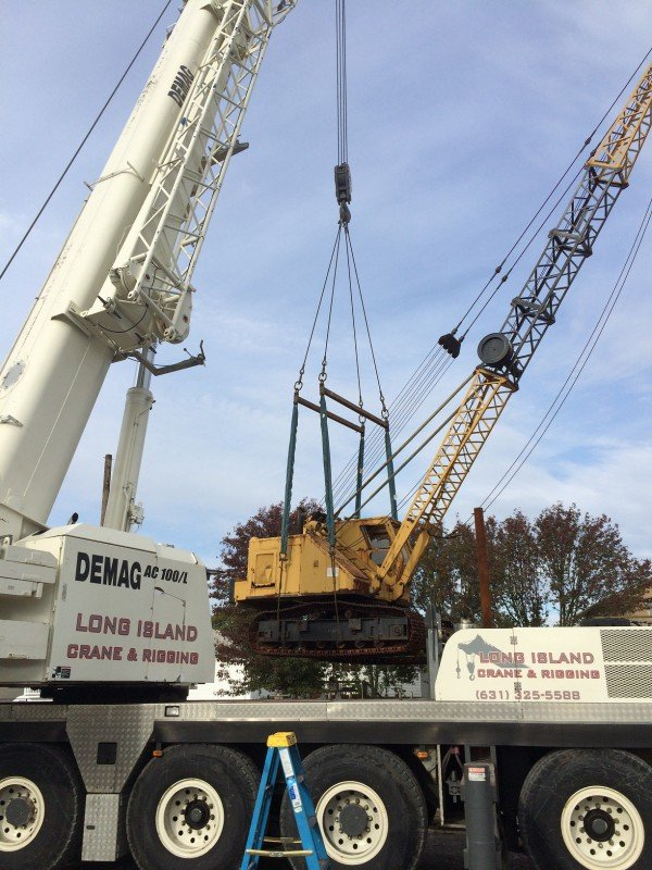 120 Ton Demag Unloading A Crane From A Barge In Seaford
