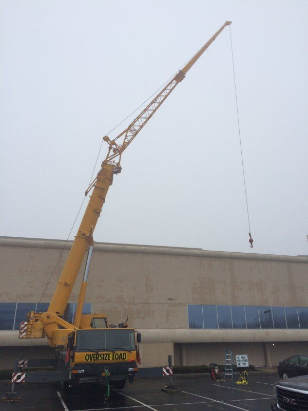 100 Ton Liebherr Setting Chillers At A Hempstead Commercial Building