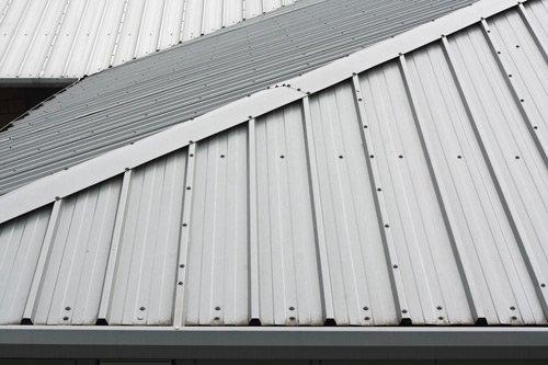 3 Methods Of Fastening A Metal Roof