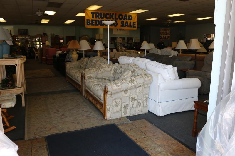 Gentil Used Home Furniture   Bradenton, FL   Billu0027s Discount Center, ...
