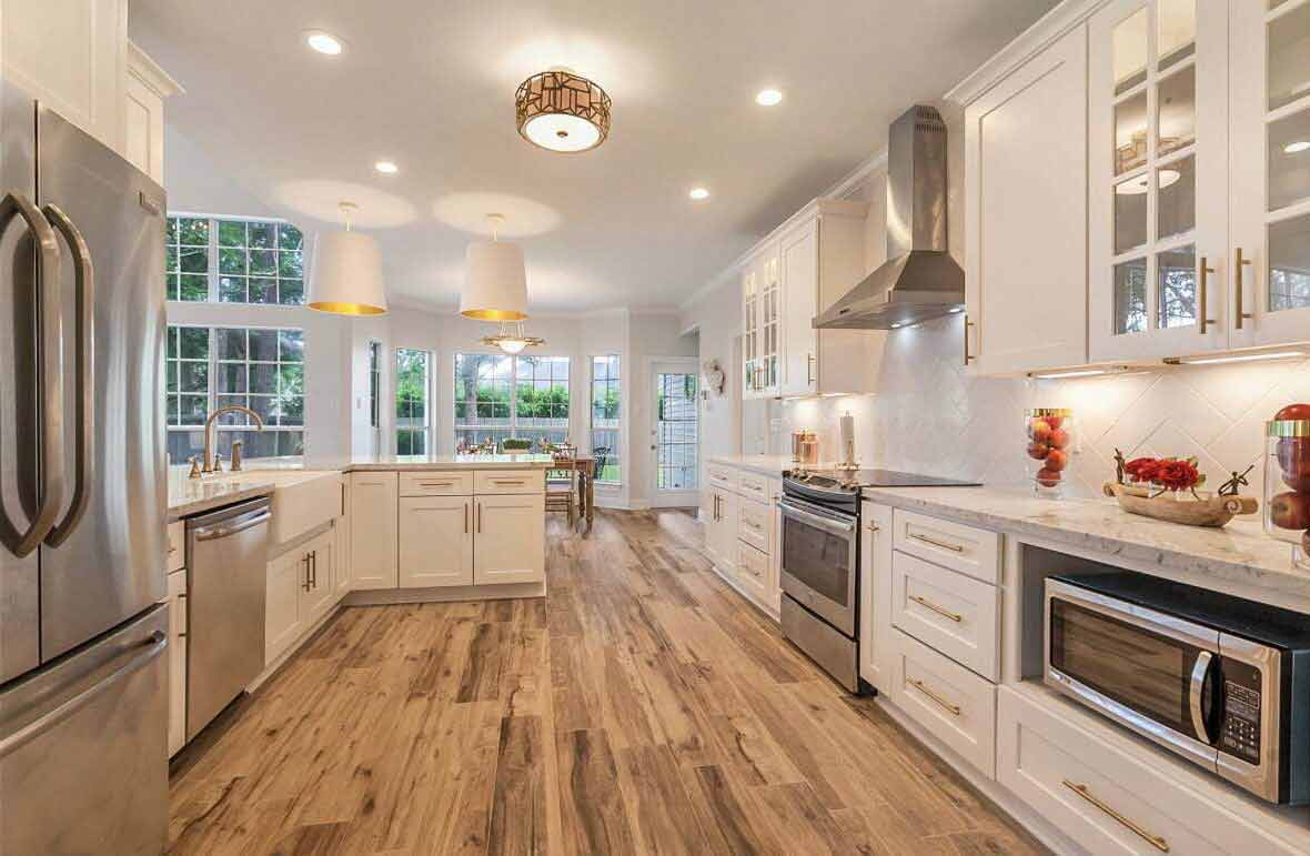 Wood Cabinets u2014 D Series White Shaker in Jacksonville FL & Wood Kitchen Cabinets in Jacksonville FL | DL Cabinetry Jacksonville